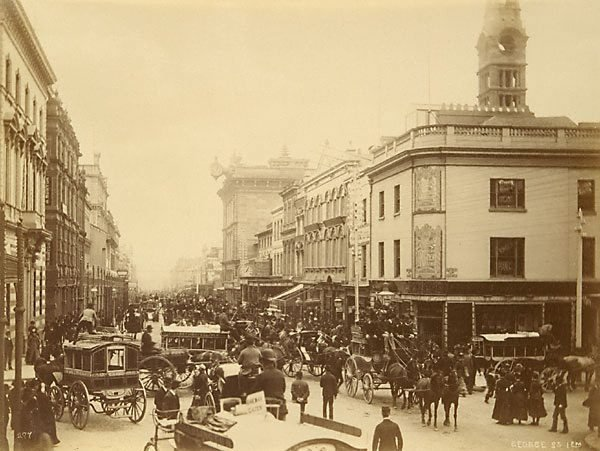 An image of George Street, 1 pm