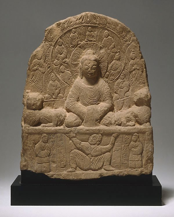 An image of Chinese Buddhist stele