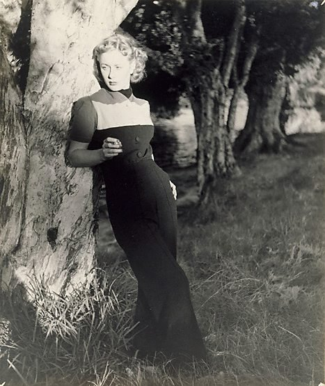 An image of Untitled (Woman in dark trousers)