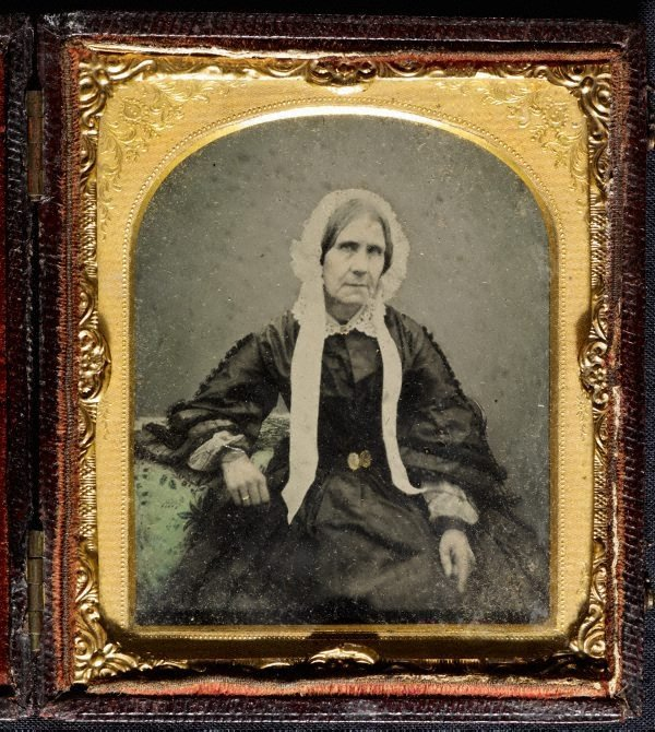 An image of Portrait of a woman