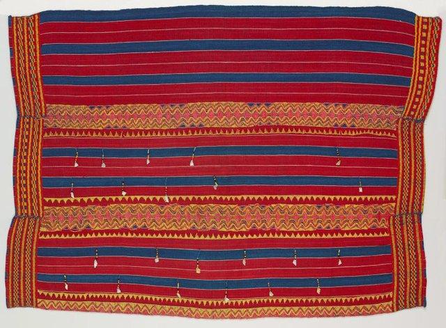 An image of Wrap-around skirt (kain)