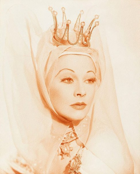 An image of Vivien Leigh (Lady Anne, Richard III, Old Vic) by Athol Shmith