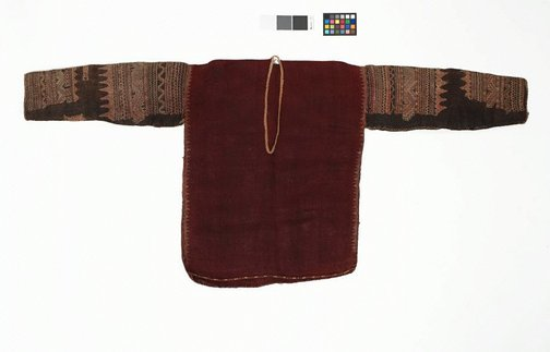 An image of Blouse with silk embroidery on sleeve (bado) by Mandaya