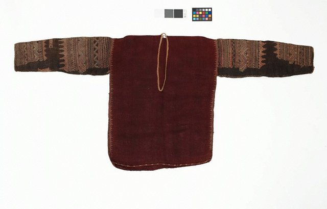 An image of Blouse with silk embroidery on sleeve (bado)