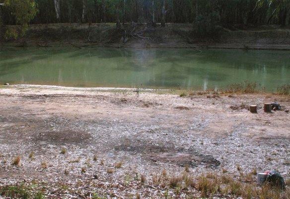 Alternate image of 5. Near the Murrumbidgee Murray junction by Bonita Ely