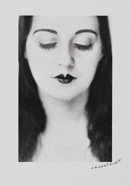 An image of Neuilly-Solange by Jacques-Henri Lartigue