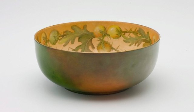 An image of Salad bowl with solanum design