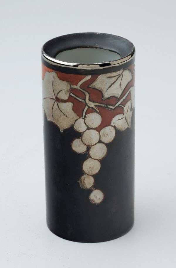 An image of Vase with grape design