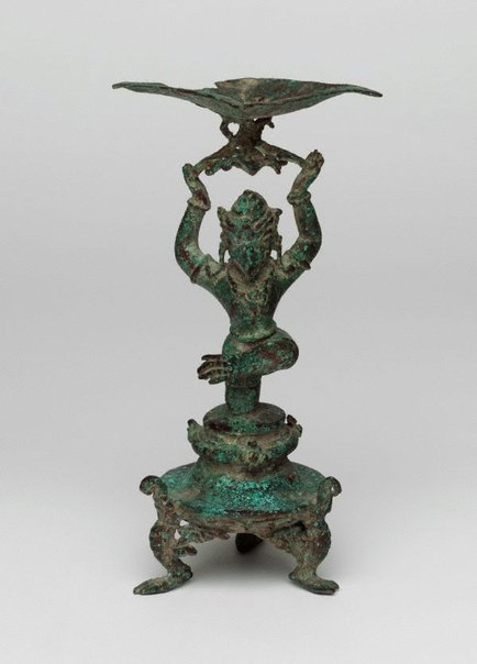 An image of Oil lamp with stem in form of Garuda by