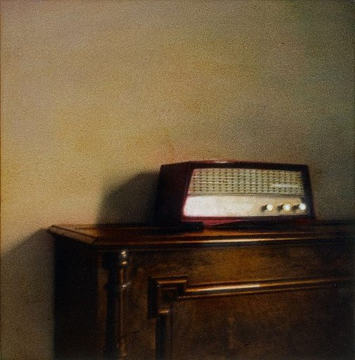 An image of Untitled (radio) by Kate Breakey