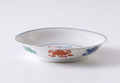 An image of Dish with 'ruyi' design by Jingdezhen ware