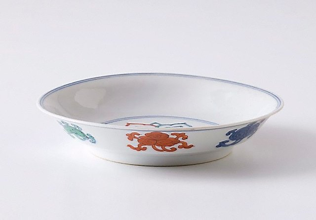 An image of Dish with 'ruyi' design