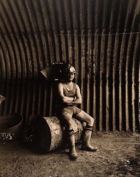 An image of Kevin McGregor, loaderman by Graham McCarter