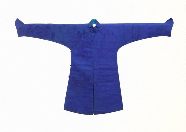 An image of Boy's surcoat and under-robe (nei tao)