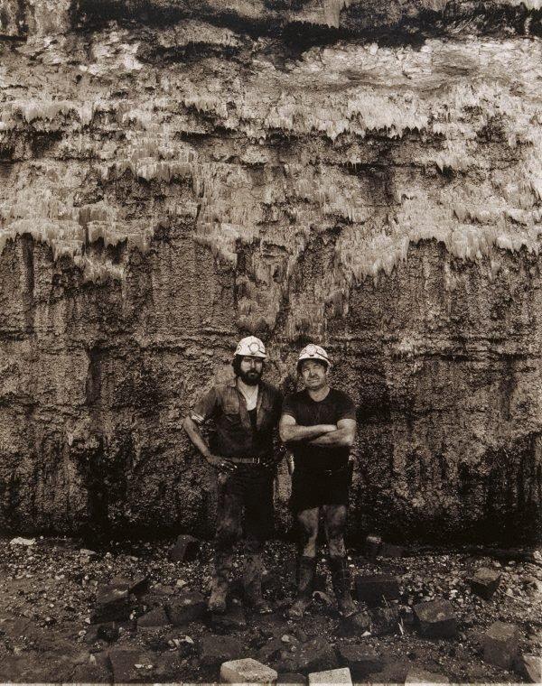 An image of Robert Crebert and Frank Wyborn, loadermen