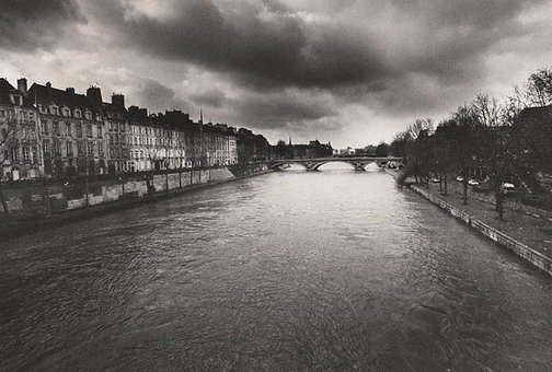 An image of Pont Neuf by Lewis Morley