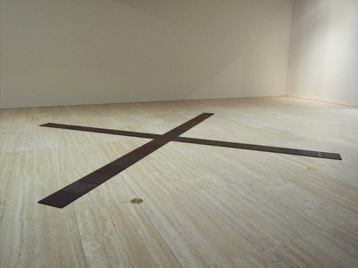 An image of Crucis by Carl Andre