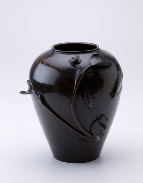 An image of Bronze vase by SANSHÛSAI