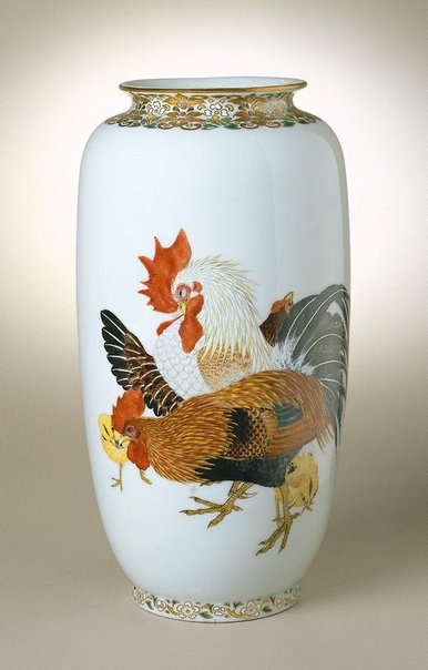 An image of Vase with design of cocks, hens and chicks by SOGA Tokumaru, Hyôchien Company