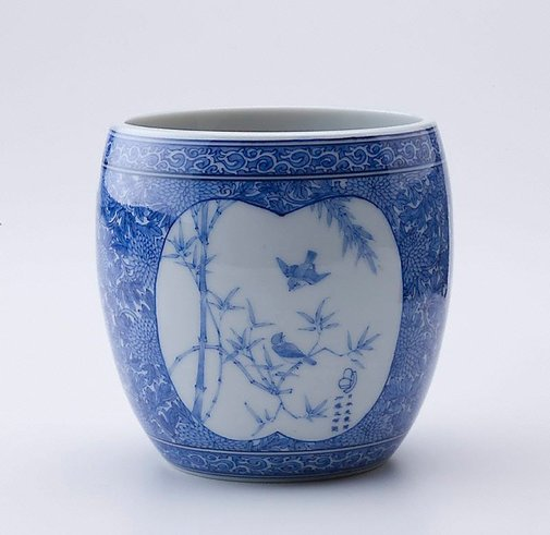 An image of Jar with design of chrysanthemum, bamboo and sparrow by Katô Gosuke