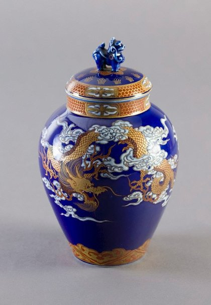 An image of Tea jar with design of dragon and phoenix in clouds by Fukagawa Porcelain Manufacturing Co., Ltd