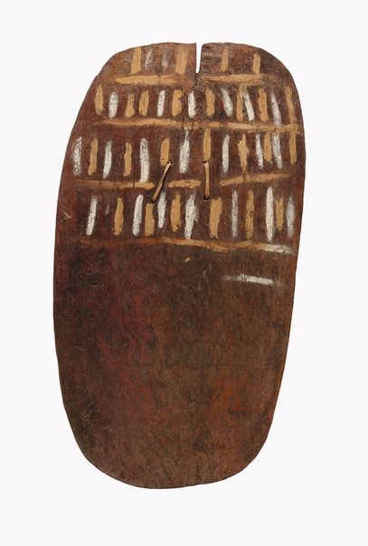 An image of Yɨvɨraata (shield with slit) by