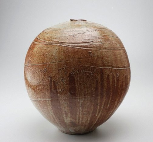 An image of Very large floor pot with Shino-type glaze and incised decoration by SHIGA Shigeo