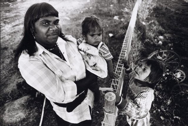An image of Della Shillingworth with two of her six children, Dodge City, Brewarrina