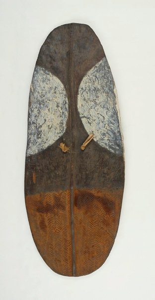 An image of Wörrumbi (shoulder shield) by