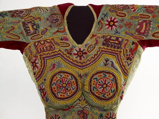 Alternate image of Short embroidered 'choli' (blouse) by