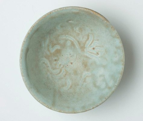 Alternate image of Bowl with carved decoration by Jingdezhen ware