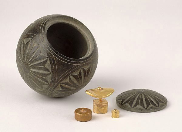 An image of Reliquary box with lotus design