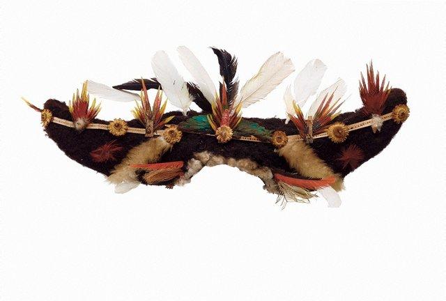 An image of Kembena (bullock-horn wig)