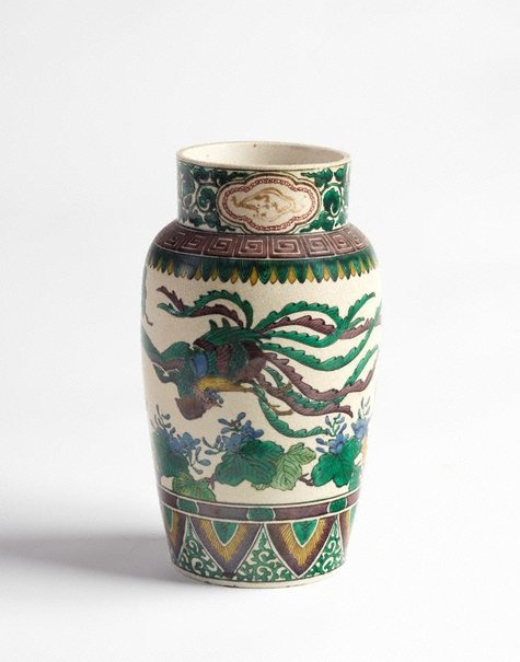 An image of Vase with design of phoenix and paulownia by Kutani ware