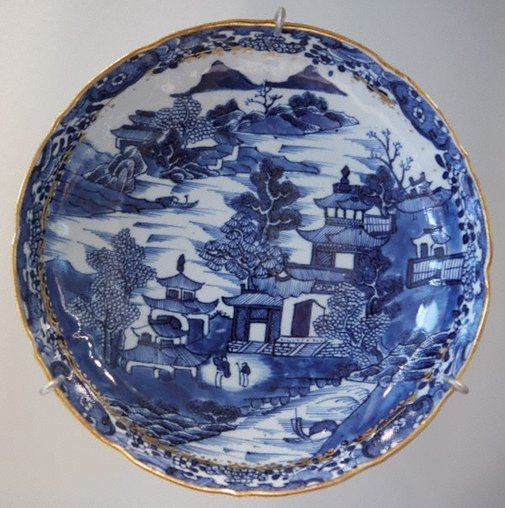 An image of Plate decorated with castle and landscape scene by Export ware