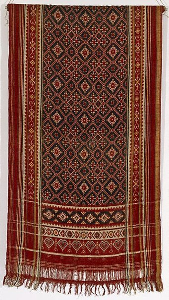 An image of 'patola' shouldercloth by