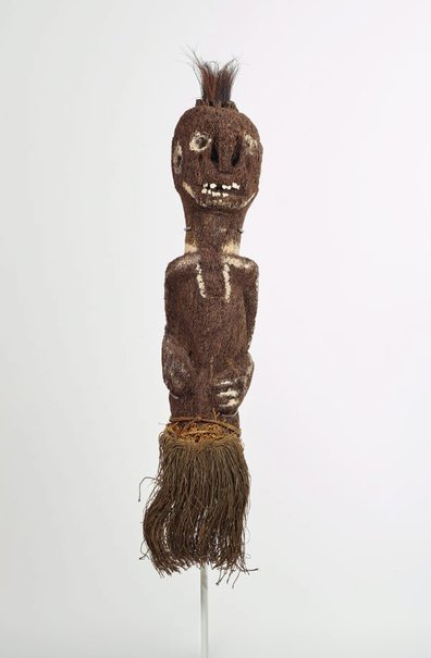 An image of Amo ato (tree fern figure) by Fore people