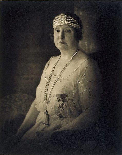 An image of Dame Nellie Melba by Harold Cazneaux