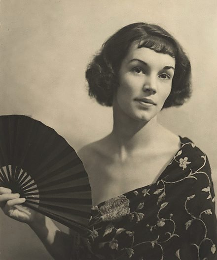 An image of The black fan by Harold Cazneaux