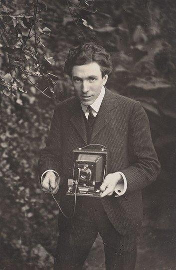 AGNSW collection Harold Cazneaux Self portrait - Harold Cazneaux 1904