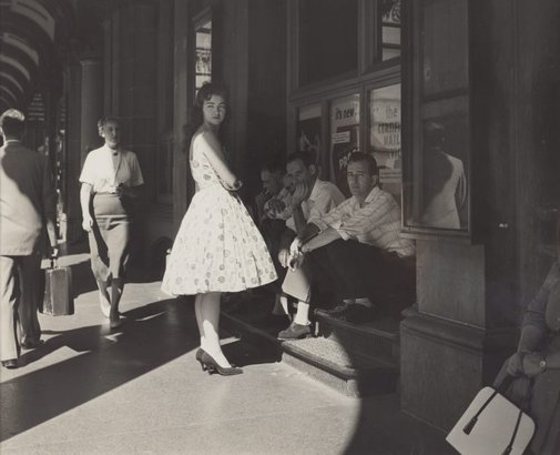 An image of (summer time, GPO building) by Max Dupain