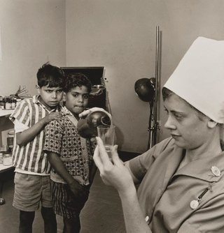 AGNSW collection Mervyn Bishop Far West Children's health clinic, Manly 1968, printed 2008