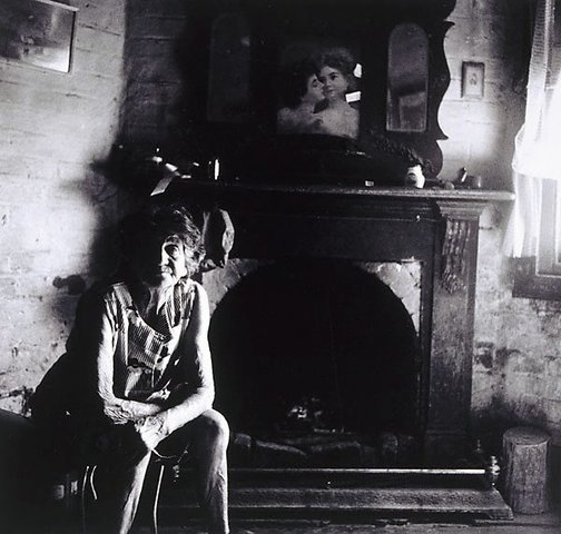 An image of Nita Maher in the old Carbour pub by Viva Jillian Gibb