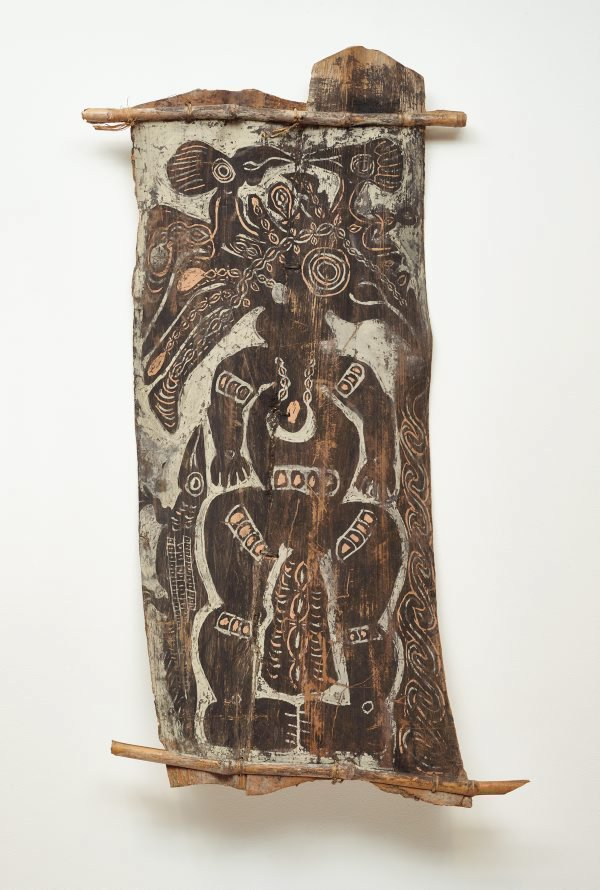 An image of Painting from ceremonial house ('deman' spirit with two birds and lizard)