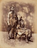 Alternate image of recto: Nautch girls, Bombay (group portrait) verso: (2 women) by Taurines studio