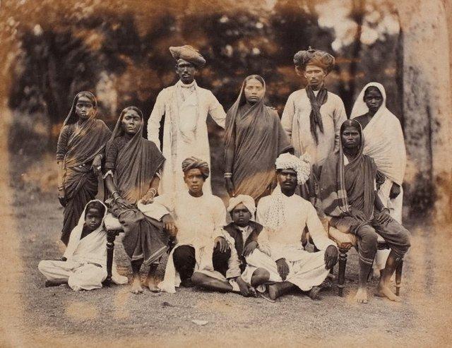 An image of recto: Maharattas, Bombay (11 family members) verso: Maharattas, Bombay (7 family members)
