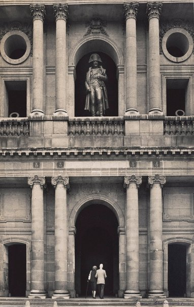 An image of Untitled (Napoleon's statue on the balcony of Les Invalides) by Max Dupain