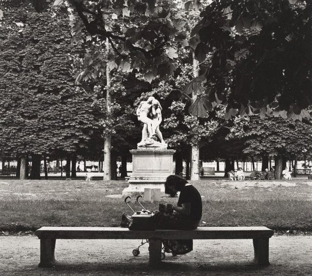 An image of Untitled (woman with pram in Jardin des Tuileries)