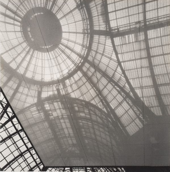 An image of Untitled (the glass dome of Grand Palais)
