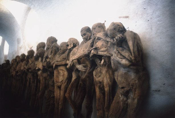 An image of Mummified bodies, near Mexico City